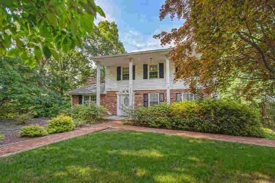 1354 Deer Run DR Vinton, Great deal on a great home with 4