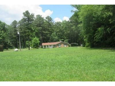 3 Bed 2 Bath Foreclosure Property in Petersburg, VA 23805 - Clary Rd