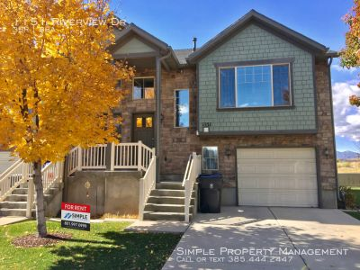 Gorgeous 3 BD 3 BA MODEL HOME in Saratoga Springs
