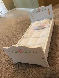 NEW 18 wood Doll Bed w/bedding GIFT!