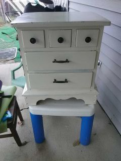 Super heavy good shape solid wood great DYI project to repaint if wanted