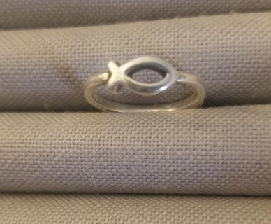 James avery ithcus fish ring