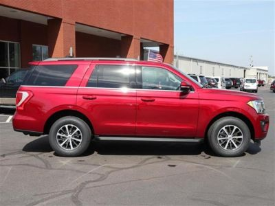 2018 Ford Expedition XLT 4x2 (Red)