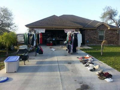 garage sale left overs , we have alot of stuff left (Harlingen)