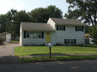 $2995 3 single-family home in North Haven