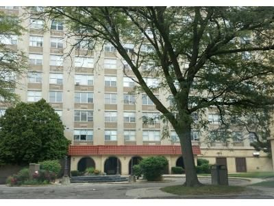 1 Bed 1 Bath Preforeclosure Property in Chicago, IL 60652 - W Ford City Dr Apt 1302