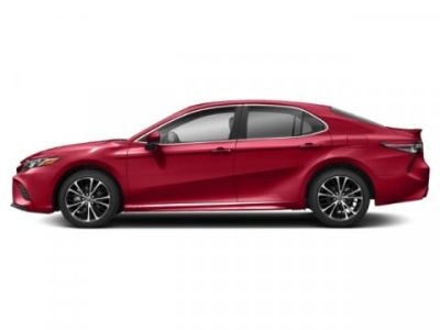2019 Toyota Camry SE (Super Sonic Red)