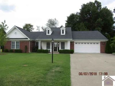 1200 Red Pine Circle West Paducah Three BR, Custom built in 2011