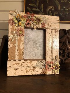 Shabby Picture frame w/ metal floral
