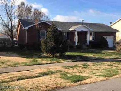 8412 Fernview Dr Louisville Three BR, spacious brick home in