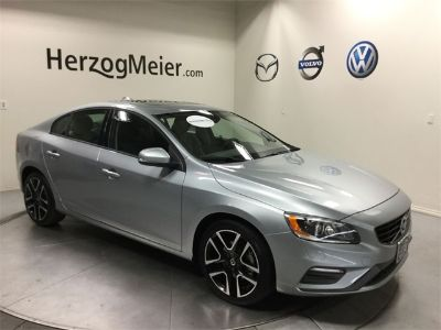 2018 Volvo S60 T5 Dynamic (Electric Silver Metallic)