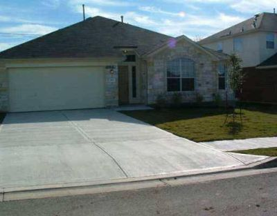 400 Pheasant Ridge DR Round Rock, Nice Three BR Two BA 1 story