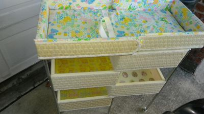 ANTIQUE INFANT CHANGING TABLE