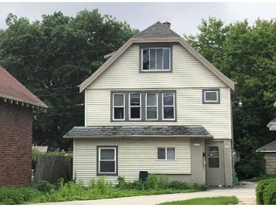 4 Bed 2 Bath Foreclosure Property in Milwaukee, WI 53208 - N 49th St