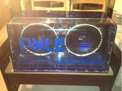 "$250 OBO 12"" Pyle flex glass 1,200 watts peak with neon lights.Sounds great"