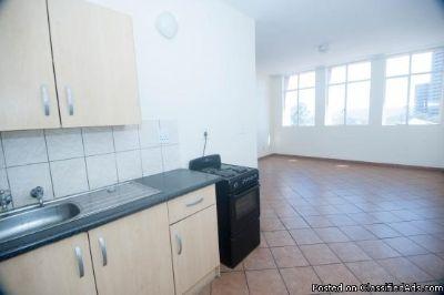 2 clean bedroom apartment