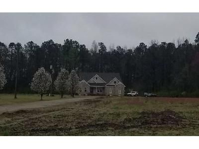 4 Bed 3.5 Bath Foreclosure Property in Conway, SC 29526 - Carl Rd