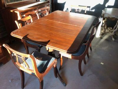 Beautiful Duncan Phyfe Dining Table and Six Matching Lyre Harp Back Needlepoint Chairs
