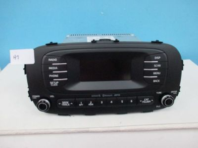 Sell 2014 Kia Soul AM/FM Sirius Bluetooth Media Radio 96170 B2090CA motorcycle in Booneville, Mississippi, United States, for US $99.95