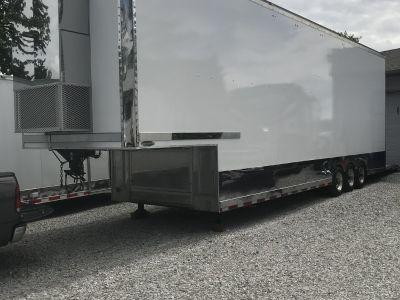2003 36 renegade stacker trailer