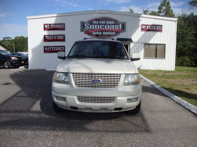 2005 Ford Expedition Limited (White)