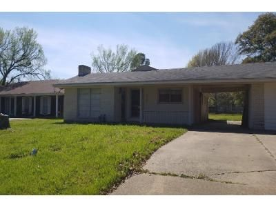3 Bed 2 Bath Foreclosure Property in Mexia, TX 76667 - Red Bird Ln