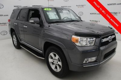 2013 Toyota 4Runner Limited (Magnetic Gray Metallic)