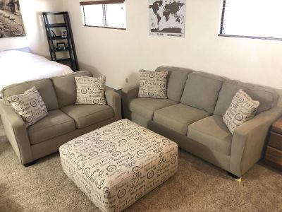 3 piece couch set with throw pillows