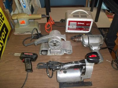 ASSORTMENT OF ELECTRIC TOOLS SOLD AS A LOT ALL WORK GREAT OR SEPERATE