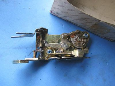 Buy PORSCHE 911 INNER DOOR LOCK MECHANISM motorcycle in Pompano Beach, Florida, US, for US $50.00