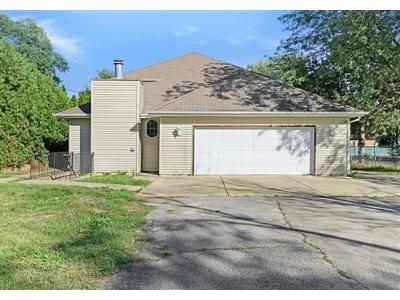 5 Bed 3 Bath Foreclosure Property in Lombard, IL 60148 - N Columbine Ave