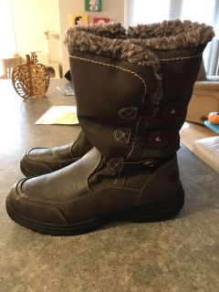 New Women s Totes Boots Sz 10 !!!