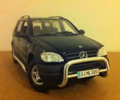 Sell Mercedes Benz ML Class ML320 Blue 1:18 Nice Hook For Trailer motorcycle in Ames, Iowa, US, for US $0.99