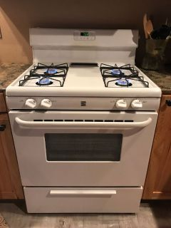 White Kenmore 3yrs Old Propane Kitchen Stove