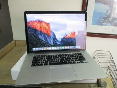 "MacBook Pro 15"" w/Retina Display RTR# 8111672-02"