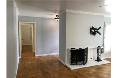 3 bedrooms House - Turnkey Move in Rent Ready. Dog OK!