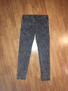 Distressed girl jeans