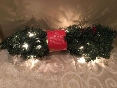 6ft lighted deluxe branch garland X9