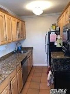ID#: (KRE) Beautiful 2 Bedroom Corner Unit In Clearview Gardens For Sale!