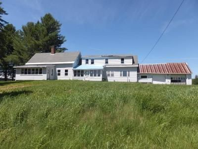 5 Bed 2 Bath Foreclosure Property in Colebrook, NH 03576 - Golf Links Rd