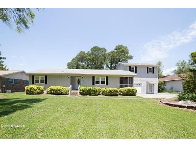 3 Bed 2 Bath Foreclosure Property in Sunset Beach, NC 28468 - Shoreline Dr E