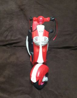 Monster High Ghoulia Yelps Red Black Cherry Motor Scooter.