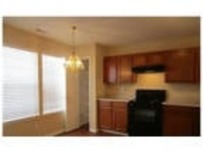 5 Spacious BR In Greenwood. Washer/Dryer Hookups!