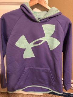 Girls YXL 14/16 Under Armour Cold Gear hooded sweatshirt in great condition!!