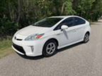 2014 Toyota Prius Hybrid FOUR Leather P. Seat P. Lumbar Navigation JBL Bluet...