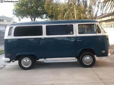 1972 VW Bus Transporter