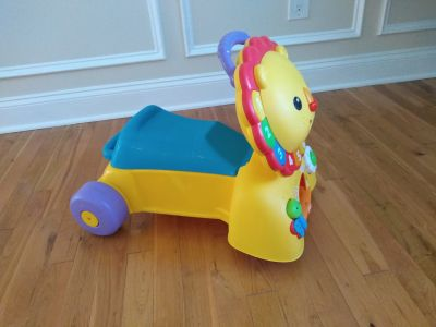 Fisher-Price ride on / push toy comes with batteries