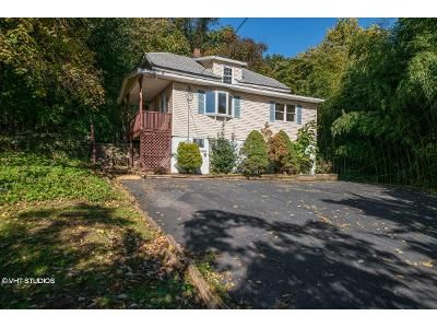 4 Bed 2 Bath Foreclosure Property in Hawthorne, NJ 07506 - Braen Ave