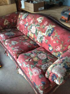 Free 1 Antique Couch 1 Office Chair and one Mirror