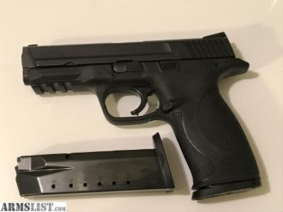 For Sale: Smith & Wesson M&P 40